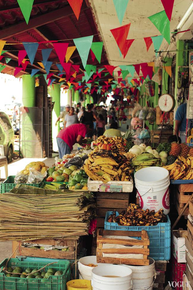 На рынок стоит идти за свежей рыбой, овощами и фруктами