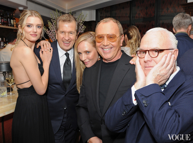 "Lily Donaldson, Mario Testino, Uma Thurman, Michael Kors and Manolo Blahnik at the ""Icons of Style"" dinner"