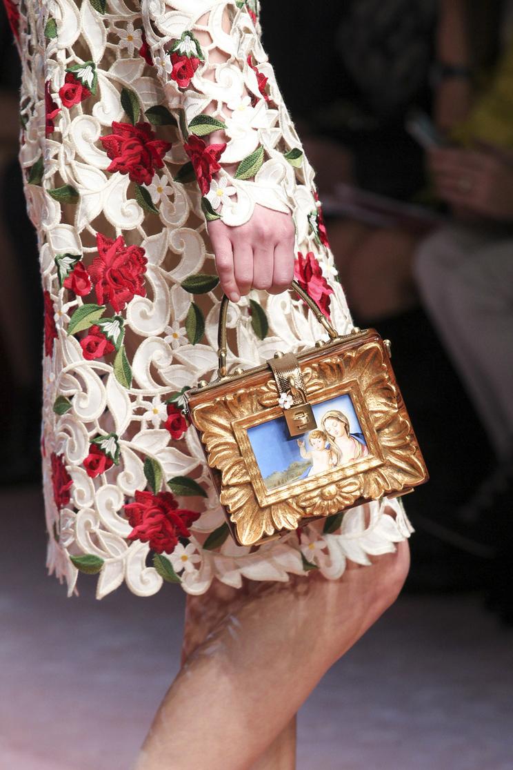 Изображение Красота в деталях: Dolce & Gabbana Осень-Зима 2015-2016 (сумки и обувь) из коллекции Мода на сайте...